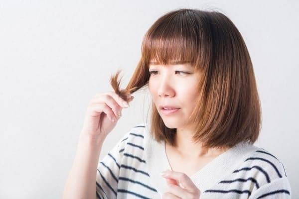 糖質の代替エネルギーとしてタンパク質が使われると、肌荒れ・抜け毛になる