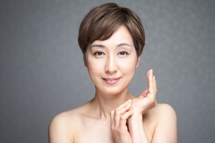 メルシアラーム美容液は40代・50代のシミに効く?年齢を重ねた肌に有効な成分と口コミ